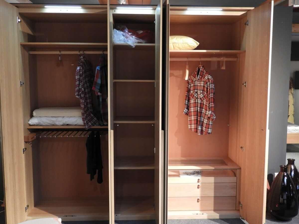 Kleiderschrank soft von Team 7 austellungsstueck bei schatz schoener wohnen tuttlingen