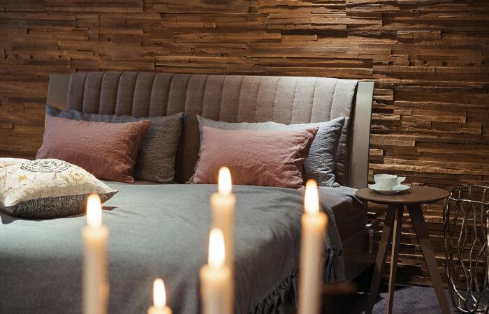 Gemütliches Bett mit Hochlehne