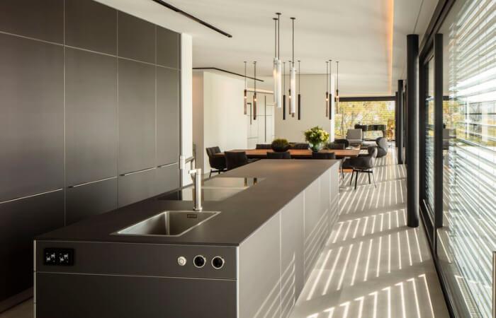 Anthrazit Küche und Essbereich
